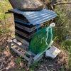 ミツバチの巣箱の設置の画像