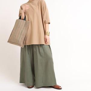 裾幅の広いスカートのようなシルエットの画像