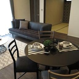 画像 グレー色の内装にブラック色の家具を提案したコーデ!グレー色のチェアもかっこいい! の記事より 14つ目