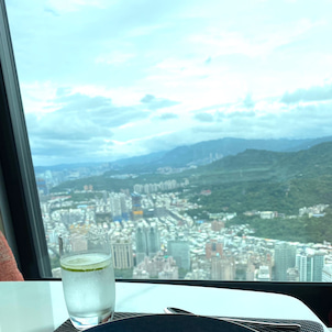 微風南山47階のMiraWanフレンチレストランでランチの画像