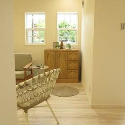 画像 アーチ型の下がり天井やラスティックブルー色のドアがかわいいナチュラルカントリースタイルのコーデ の記事より 11つ目