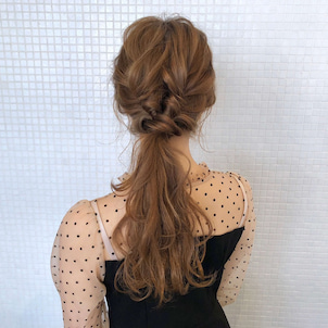 クルリンパとツイストのポニー hair arrange & hair setの画像