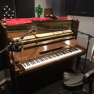 『ダヴ・ハンドソープ』と『スカビオサ』と『ピアノ』の画像