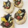 夏野菜の焼きカレーパンの画像