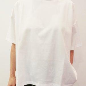 TRAVAIL MANUEL の ティーシャツ の 違いの画像