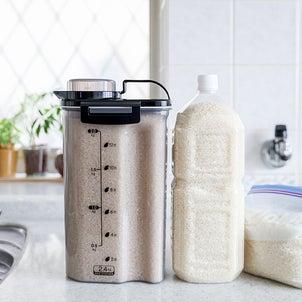 ★冷蔵庫のお米保存はペットボトルが便利(インテリアと暮らしのヒントより)の画像
