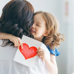 画像 子どもに愛情が持てない の記事より