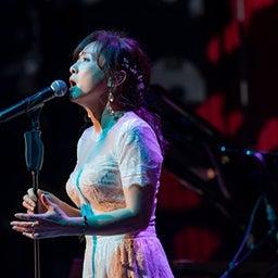 """画像 Blu-ray「斉藤由貴/Billboard Live Tour """"水響曲""""」作家に愛された歌手 の記事より 1つ目"""