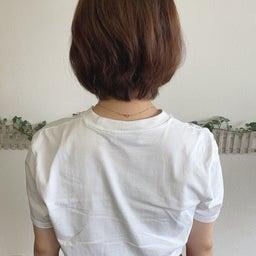 画像 カットで変わる!くせ毛でまとまらなかったショートヘアから大変身 の記事より 1つ目