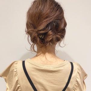 短いミディアムヘアでも簡単!暑い夏にピッタリな時短アップアレンジの画像