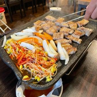 オンママウム(北九州市小倉北区)で呑んで食べて