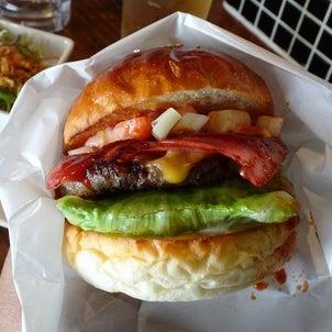 大阪 バーガー酒場 ハンバーガー・ママの画像
