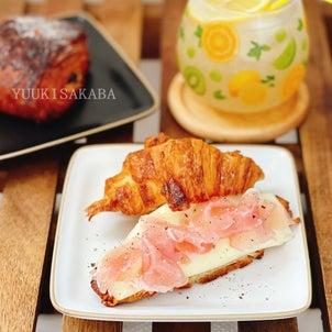 ちょっと贅沢なクロワッサンサンドで至福の朝ごはん。 〜大事な30代のインナーケア〜の画像
