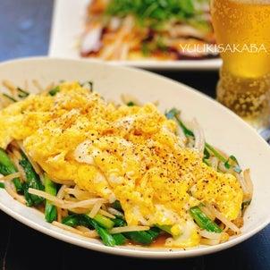 ごはんもお酒も進む、コスパ最高の逸品!フライパンであっという間にできる、ニラたまもやしの中華炒めの画像