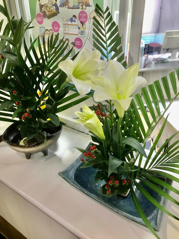 聖和荘 8月の生け花