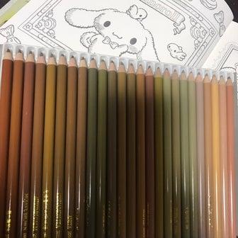 サンリオキャラクター幸せ塗り絵帖 アンティーク調で塗る