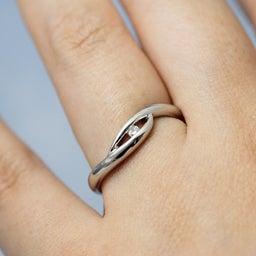 画像 誰もいない海をひとり占め!波モチーフの個性的な結婚指輪も♪【AFFLUX京都雅店】 の記事より 7つ目