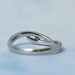 画像 誰もいない海をひとり占め!波モチーフの個性的な結婚指輪も♪【AFFLUX京都雅店】 の記事より 4つ目