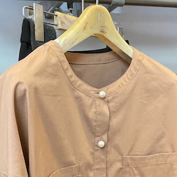 画像 【てん】今の時期のシャツは秋色で の記事より 2つ目