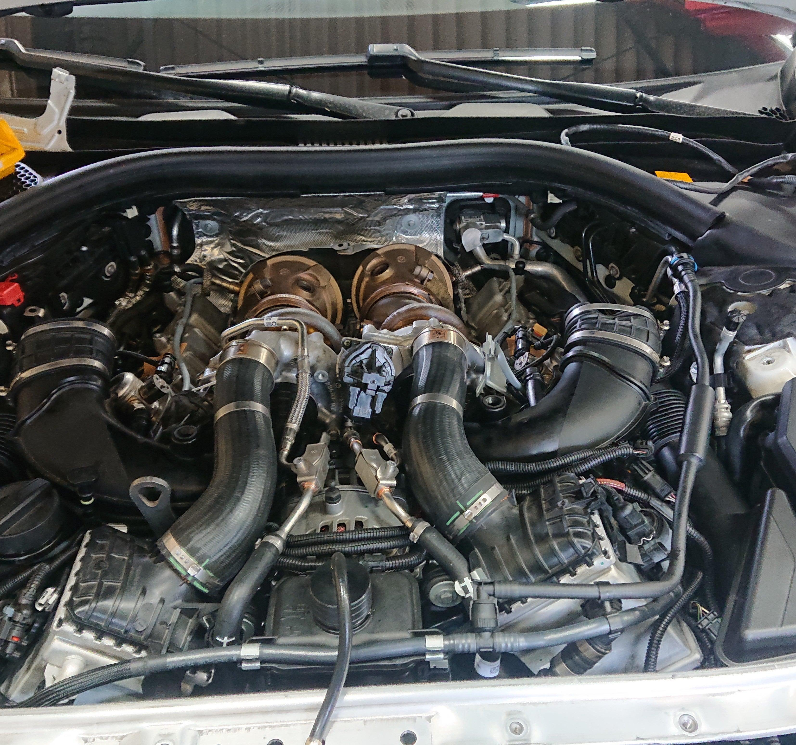 アバンティーファクトリー! BMW G11 750i 冷却水漏れ修理!!