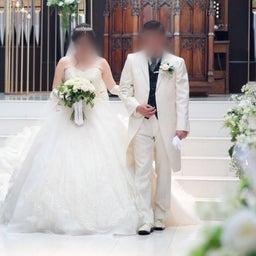 画像 ウェディングレポート スカラップ調のグリッターレースが華やかなウェディングドレス の記事より 1つ目
