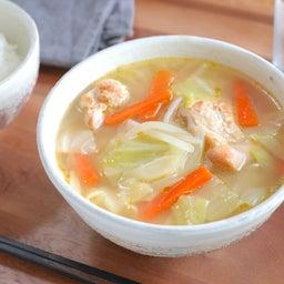画像 具だくさんで栄養満点!炒め野菜と鶏肉のおかずみそ汁 の記事より 1つ目