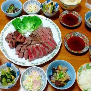 充実した副菜とステーキの晩ごはん♡の画像