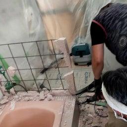 画像 9/15(水)高岡町 T園様 幼児用シャワーパン設置工事 解体作業 の記事より 1つ目