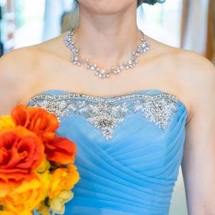劣化していくドレスの画像