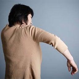画像 五十肩に効果的な治療!『肩甲骨はがし』 の記事より 1つ目