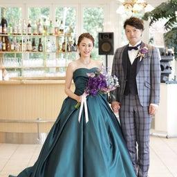 画像 ウェディングレポート ドレープとタッキングが美しい深いグリーンのカラードレス の記事より 1つ目