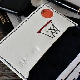バスケットボールとバスケットボールをあしらった名刺ケース