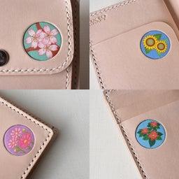 四季の花のイラストを入れ込んだお財布