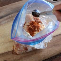 画像 簡単おつまみ。もみこんで焼くだけ!鶏肉の七味マヨ焼き の記事より 3つ目