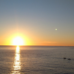 画像 朝日、海、漁船。私の好きな熱海の朝の風景。 の記事より 1つ目