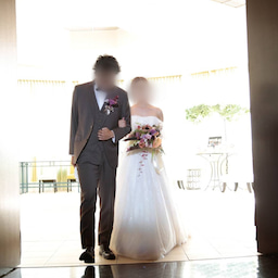 画像 ウェディングレポート ボリュームのあるトップスにスレンダーラインのバランスが絶妙なドレス の記事より 4つ目