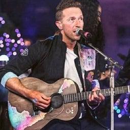 画像 クリスさんのジンさんへのギタープレゼント の記事より 4つ目