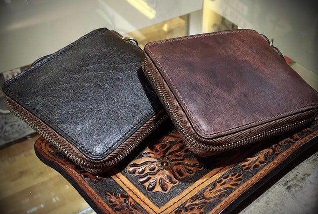 ヴィンテージ仕上げの馬革の二つ折り財布