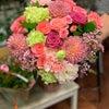 ピンク系の花束の画像