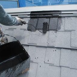 画像 日立市 外壁塗装屋根塗装A様邸 屋根中塗り塗装 富士塗装店 の記事より
