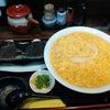 極楽うどんAh-麺 「鶏卵うどん・大盛+とり天天むす×2」の画像