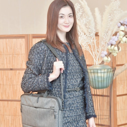 画像 @incase_japan のバッグ持ってお仕事へ#今日のコーデ  #フェラガモ... の記事より 1つ目