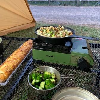 テント内で過ごすキャンプのご飯①