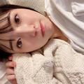 豊田萌絵 インスタグラム ソファが冬仕様になり寝落ちしがち