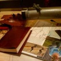 革製ブックカバー