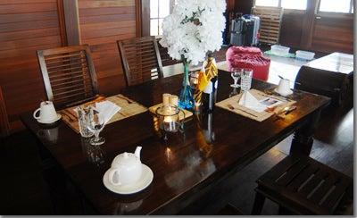 モルディブ・アンガガ&マクヌドゥ旅行記-セレンディパーダイニングテーブル