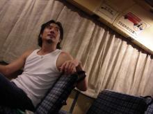 ドラムの本田珠也のいるところは?