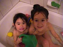 ルナとエミリお風呂
