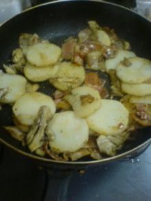 まいたけと山芋のベーコン炒め