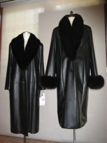 スーパーカーフスキンフォックス襟付きロングコート